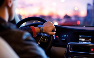 Votre chauffeur Uber est-il un salarié ou demeure-t-il indépendant?
